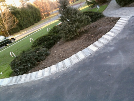 Belgian block and pavers dressing up an asphalt driveway all curved and angled belgian block edge solutioingenieria Image collections