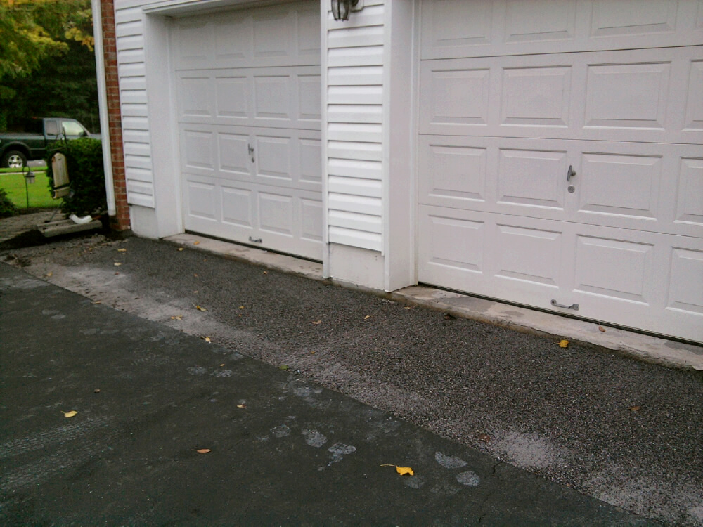 Belgian block and pavers dressing up an asphalt driveway all garage paver apron preparation solutioingenieria Images
