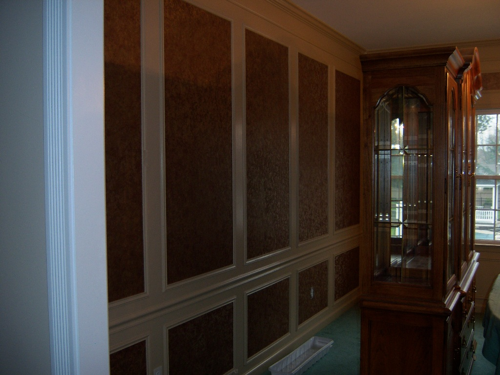 Dining Room Wall Frames With Wallpaper