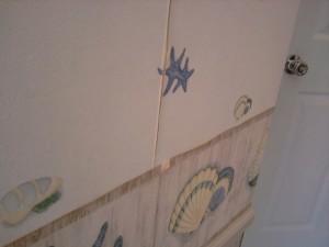 Wallpaper Peeling off Bathroom Walls