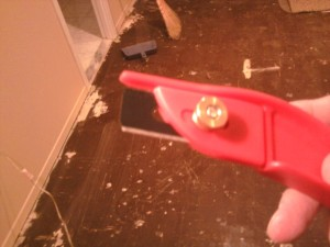 Slotted Blade Carpet Knife